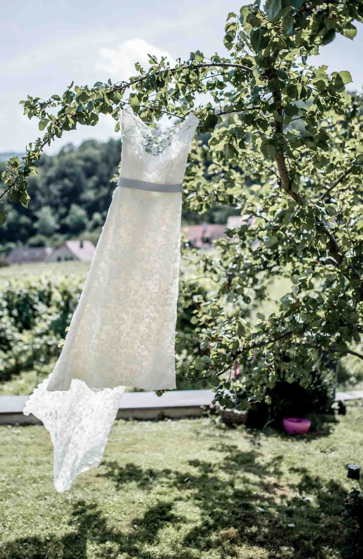 Brautkleid|Hochzeitsplanung©Armin Kleinlercher